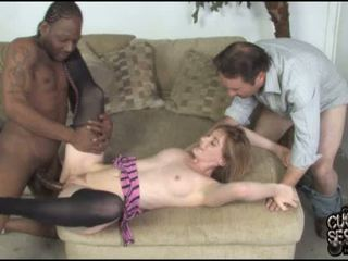 Allison Wyte goes black in front of a cuckold