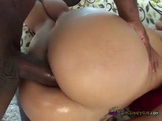 Mia Lis Show Of Salivary Juices Gushing While Sucking