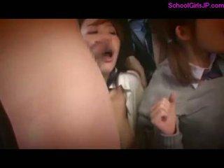 2 schoolgirls rapped fingered принудителен към s .