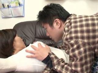 П'яна японська мати gets зловживання по її хлопець