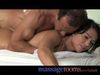 Pijat rooms muda remaja mendapatkan pounded dari di belakang sampai puncak syahwat dan tetesan sperma
