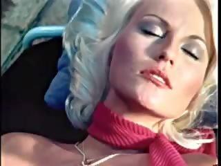 School nackt tub szene hot high Celebrity Best