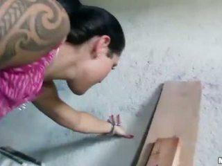 Ceko gadis agata pounded untuk beberapa uang