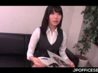 可爱 亚洲人 青少年 giving 口交 代替 一 工作 访问