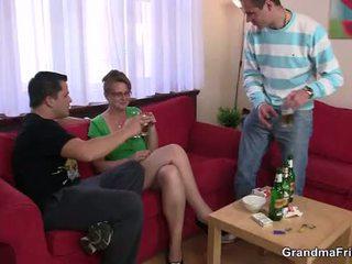 realiteit scène, oud seks, online grootmoeder