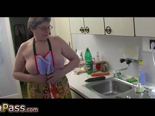 আলগা বাধন masturbate লোমশ পাছা ব্যবহার ডিলদো এবং cucumb