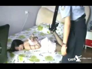 kwaliteit schattig scène, meisje klem, ideaal mooi video-