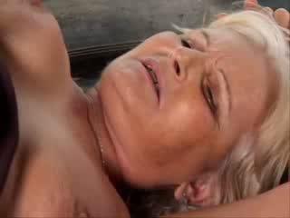Garryň Götüne Sikmek porno