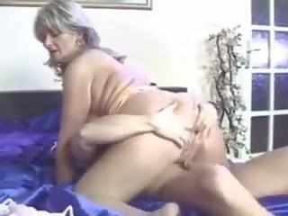 A bombázó anyuka érzéki dugása - xxx videók ingyen