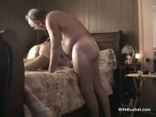 Amateur threesome in the bedroom