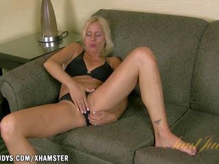 Payton Leigh Masturbates to a Hot Fantasy: Free HD Porn 4f