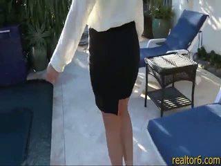 Flirty real estate agent fucks kanya client upang make ang sale