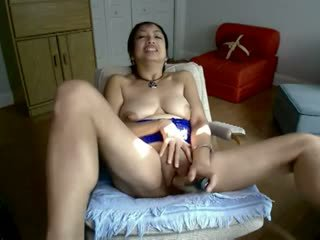 Asiática madura caliente masturbation en webcam