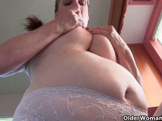 Grandma's masturbation uczta