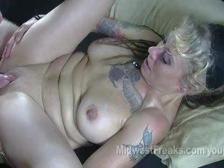 meer tattoos porno, rimmen klem, pijpbeurt scène