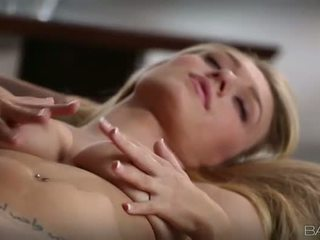 Tempting ξανθός/ιά natalia starr pleasuring