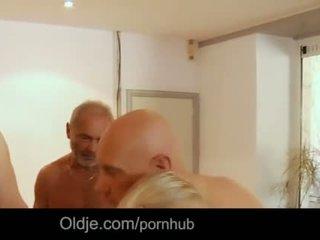 Seven grandpas gabg bangs sexy tineri blonda la o întâlnire
