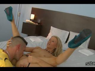 Όλα moist: mikes apartment & ευρωπαϊκό πορνό βίντεο