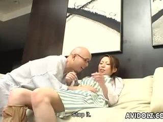 日本语 dolly tomoe hinatsu sucks 和 fucks