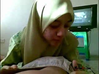 Hijab Teen Sucking Balls
