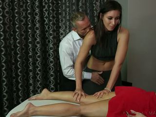 Masseuse Rilynn Rae Gets Plowed By Client S Horny Husband