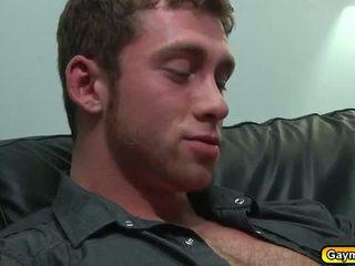 同性恋者 getting 深 throat 和 硬 肛交