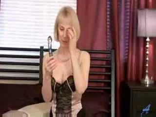 Hot Mom Hazel Hot Milf