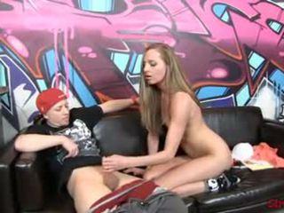 Slutty sekretaris roxie rox memainkan kontol dengan tangan, gratis porno 39