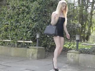 Tranny mini orgia