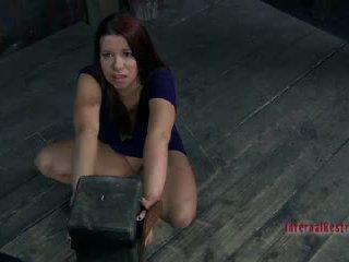 Sarah blake getting nailedsomething twisted เป็น เกี่ยวกับ ไปยัง เกิดขึ้น ไปยัง sarah blake2