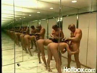 Dru berrymore espejo habitación