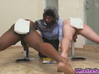 Сексуальна mia khalifa messure жорсткий пеніс
