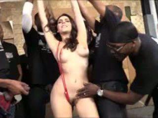 Valentina nappi hút lots của đen cocks vì bukkake mặt