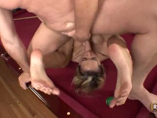 Halia hill getting banged উপর ঐ billiard টেবিল