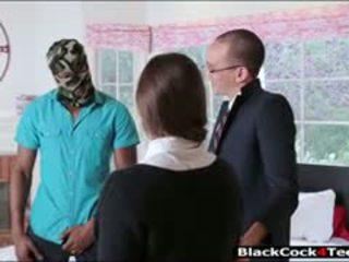 Schön brünette teen amirah adara nailed von riesig schwarz schwanz