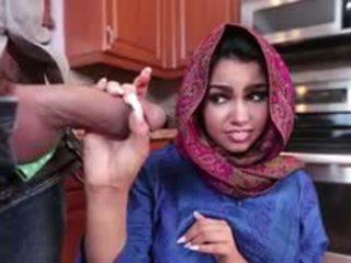 Cậu bé tóc nâu arab ada là filled với cum