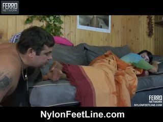 Nadržený guy awaking a sleepy kotě
