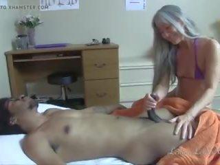 Happy Ending Massage Versteckt