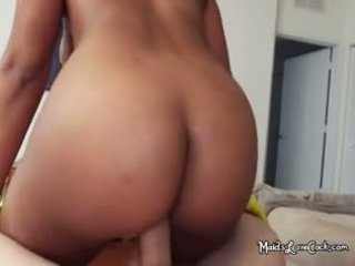 Ebony Maid Arianna Gets Pleasure Of Knowing Boss By Fucking