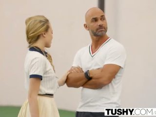 Tushy first göte sikişmek for tenis student aubrey star