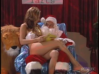Evan Stone really fucks her pussy well