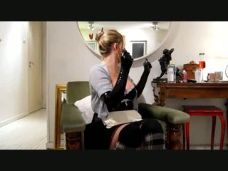 Maid Outfit and Latex Gloves, Free Amateur Porn Video 25