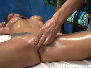 plezier masseur, pijpbeurt, kindje