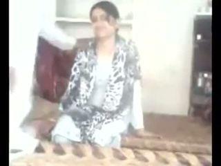 Pakistani paar ise filmitud