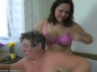 Two gemuk lesbian, empat matang seks / persetubuhan