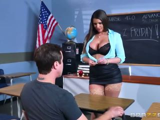 Brazzers - сексуальна матуся brooklyn chase teaches її студент