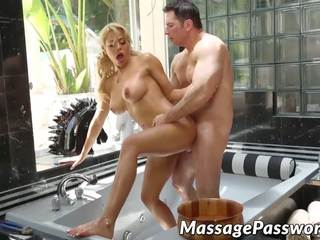 Oily Massage with a Happy Ending is the Best Thing Ever