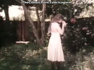 brunette video-, wijnoogst video-, vers lingerie video-