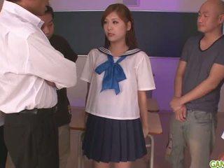 女子生徒 yura kasumi ある a ホット 日本語 精液 女の子