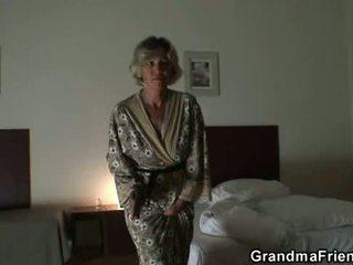 vers realiteit klem, heet oud neuken, mooi grootmoeder thumbnail